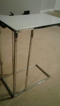 white and gray metal end/tv tables 18inx10inx24in Gaithersburg, 20878