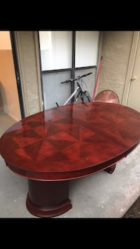 Large dining table with two leaves in great condition. 44 inches wide, 92 inches long including the two leaves. Make an offer Mesquite, 75150