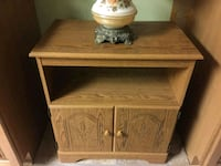 End table/nightstand  Cherry Hill, 08003
