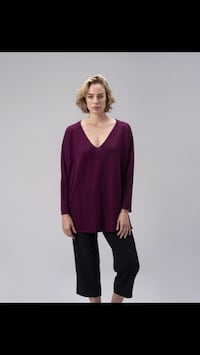 The Baby Alpaca V Neck Pullover Montreal, H4N 3K4