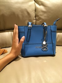 Blue guess  leather tote bag Longueuil, J4N 1P6