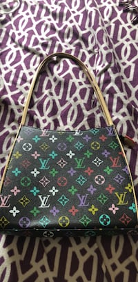 Louis Vuitton purse  Calgary, T3H 5T1