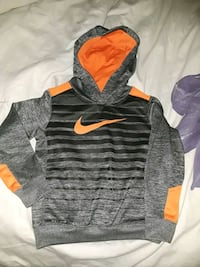 Nike dri fit  hoodie size 4/5 like new! Amarillo, 79109