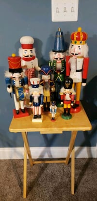Nutcrackers Charles Town, 25414