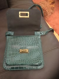 Full blue leather purse Livermore, 94551