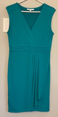 Ladies dresses 3 different sizes and styles Fort Erie, L2A 4M8