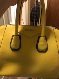 Women's yellow leather tote bag Richmond, V6X 4B6