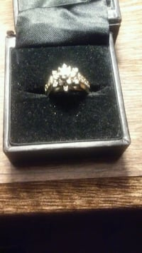 White gold 14k Flower designs diamonds ring Toronto
