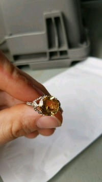 gold-colored diamond ring Mississauga, L5L 5S1