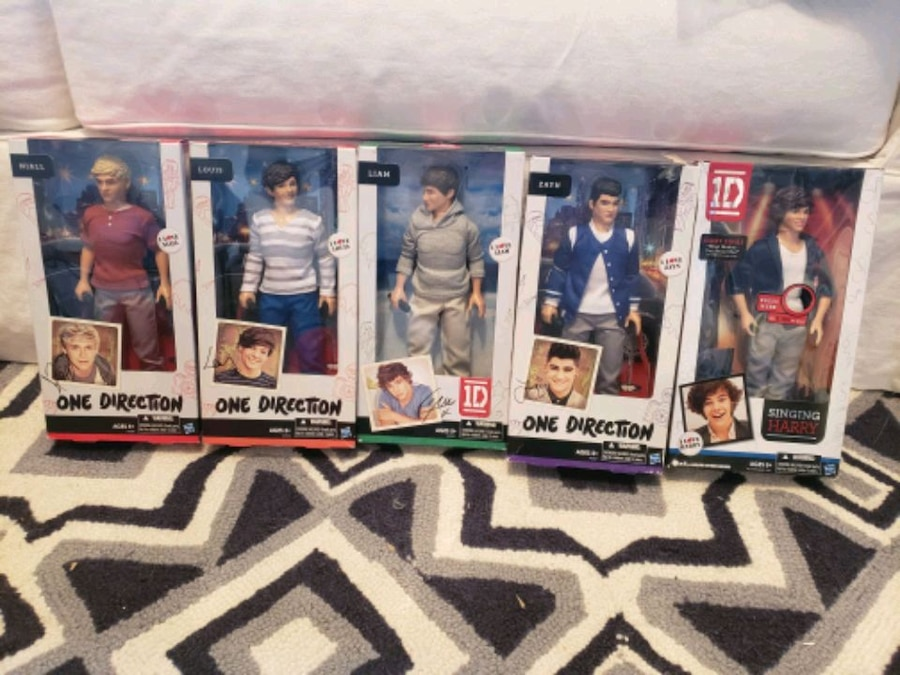 Photo 1D DOLLS - ONE DIRECTION - ALL 5 - NEW -