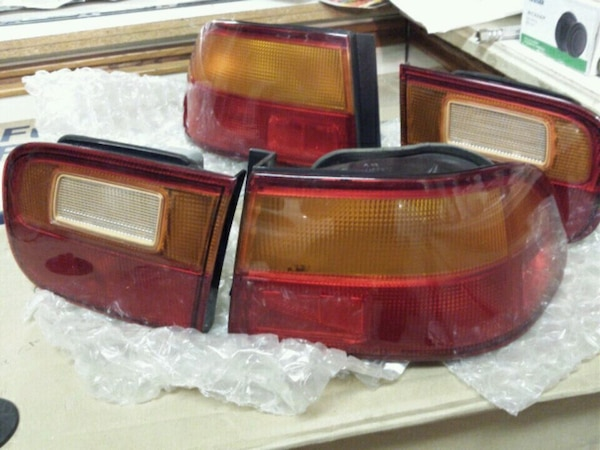 Honda civic 92-95 OEM two door tail lights