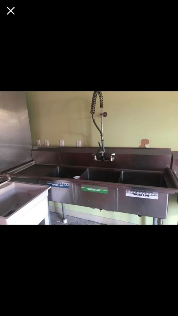 Used 3 Bay Stainless Steel Sink 1 Year Old For Sale In Brielle Letgo