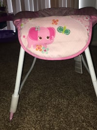 Baby's pink and white bouncer 1149 mi