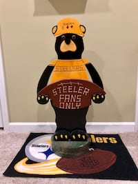 Hand-carved and painted WOOD Steelers Bear Bristow, 20136