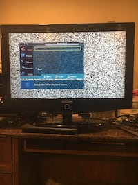 """Samsung 32"""" LCD HDTV With Remote  Center Moriches, 11934"""