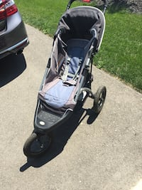 In step 3 wheel jogging stroller. Light weight used but good condition