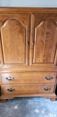 Eathan Allen Antique Dresser Virginia Beach, 23454