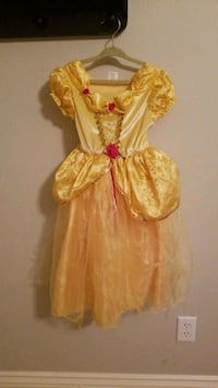 Disney belle dress size 4 to 6 years old Temecula, 92592