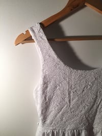 women's white lace sleeveless dress Québec, G2A 2B3