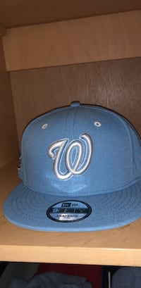 blue and white New York Yankees fitted cap Washington, 20011