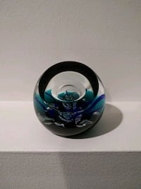 Caithness glass paperweight #424 of 500 3x3 inches Kitchener