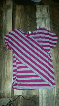 Maroon stripped tee size M Eau Claire, 54703