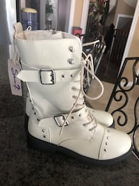 Brand new Seven 7 combat boot size 10