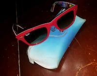 Red raybans  Des Moines, 50314