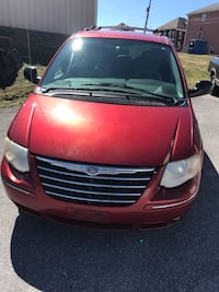 Chrysler - Town and Country - 2006 Orchard Hills