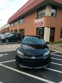 2017 - Toyota - Corolla clean title and carfax