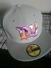 Ny giants fitted cap minor scuff see picture