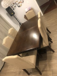 Dining room table w/chairs