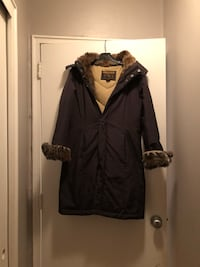 Small-Woolrich Woman's Winter Parka (see notes) Montréal, H3V 1B4