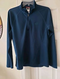 Ladies large Northface pullover, fits like medium.  No wear