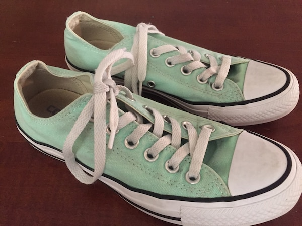 9a38d69c70e2 Used Converse all star low top girls size 6-1 2 boys 4-1 2 for sale in  Milton - letgo