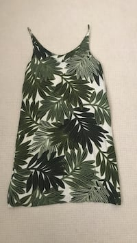 Green and white floral scoop-neck sleeveless midi dress