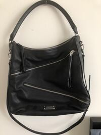 black leather 2-way handbag Toronto, M5P 2P8