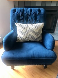 Pier 1 Navy Blue Tufted Accent Chair w/Free Throw Pillow