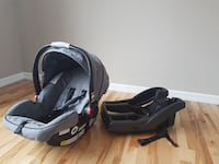 black and gray car seat carrier