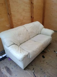 White Leather Luv Couch Sofa Norfolk, 23505