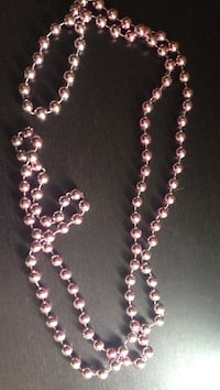 Collier de perles rose