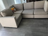 High End West Elm Henry 3-Piece Sectional Miami Beach, 33139