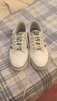 pair of white low-top sneakers Pickering, L1V 6S4