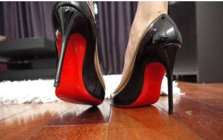 Red sole shoe size 9 d5536f85-35c7-4c65-8f1c-51be60fbb547