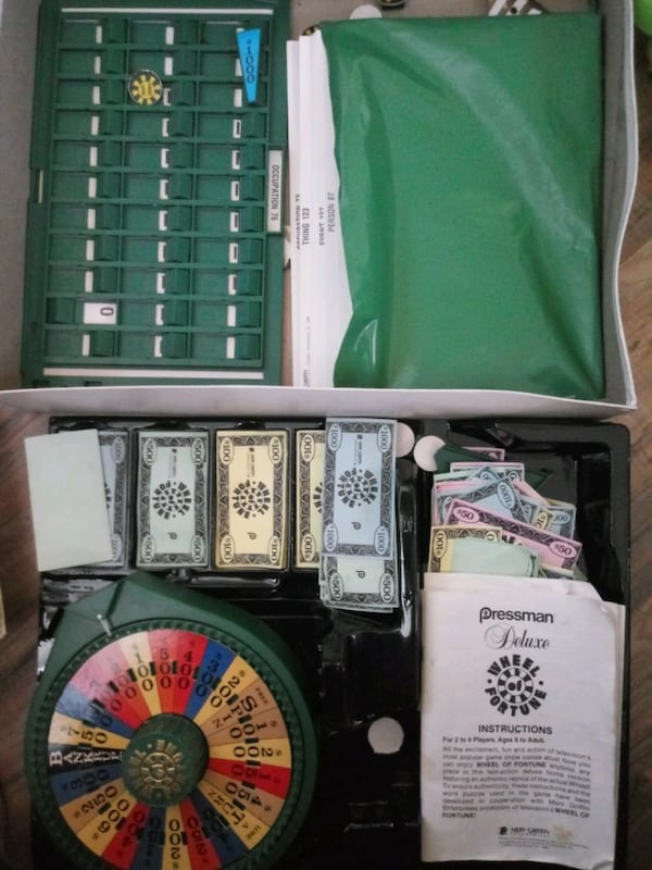 Wheel of fortune board game  dc513547-2433-4605-82a5-6cc4d20cd033