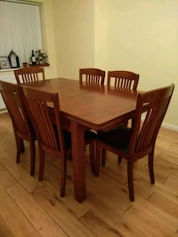 rectangular brown wooden table with four chairs di Greater London, TW7 6AD