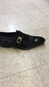 unpaired black leather slip-on shoe Fort Worth, 76115