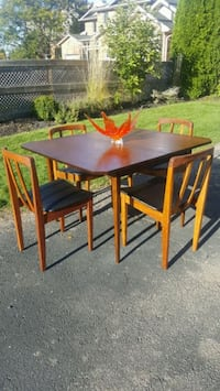 Mid century Honderich dining set St. Catharines