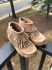 Fringe Moccasins & Champion Sneakers in size 7M Reston, 20191
