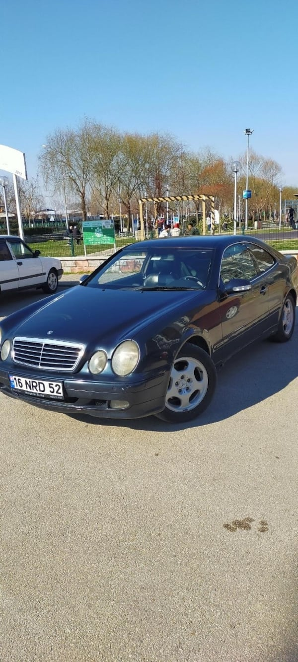 2000 Mercedes-Benz CLK-Serisi Baz 782cdc76-c21f-46cd-8c26-e3475cc6f3bb